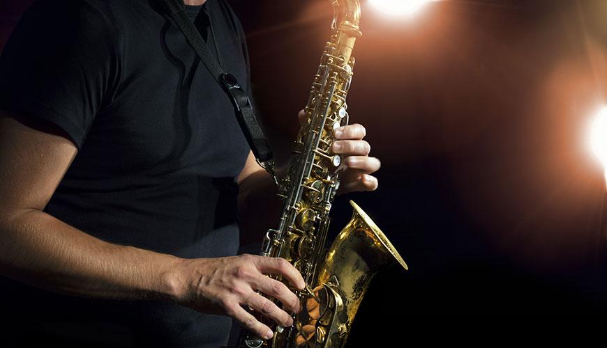 http://www.musicalmentelatina.it/wp-content/uploads/2017/11/saxofono-jazz.jpg