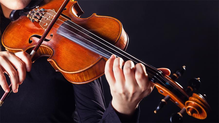 http://www.musicalmentelatina.it/wp-content/uploads/2017/11/violon.jpg